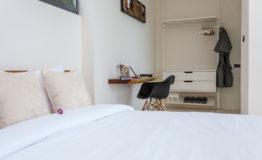 12+-+Bedroom+with+wooden+desk