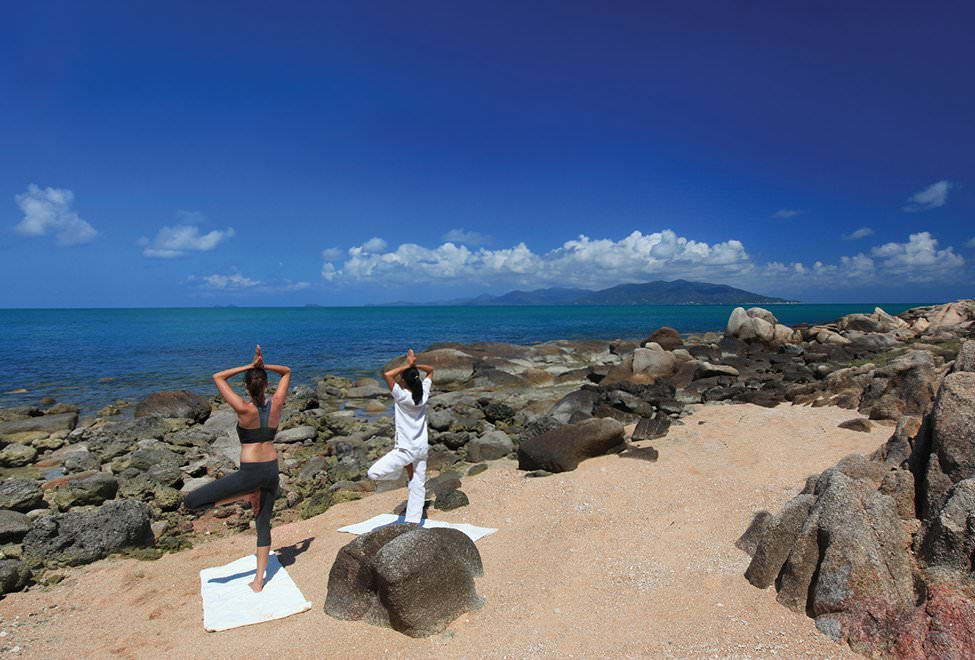975x660_04_yoga_on_the_rocks2_re2